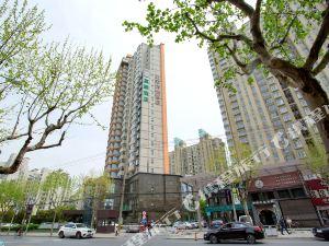 莫泰酒店(上海陸家嘴羽山路源深體育中心地鐵站店)