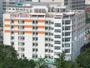 拉查達17普拉斯酒店(Ratchada 17 Place)