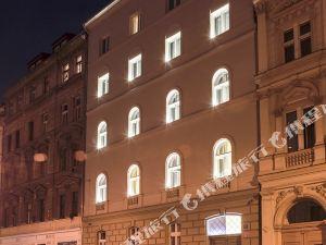 布拉格純白色酒店(Pure White Prague)