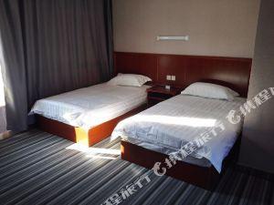 布爾津隆成快捷酒店