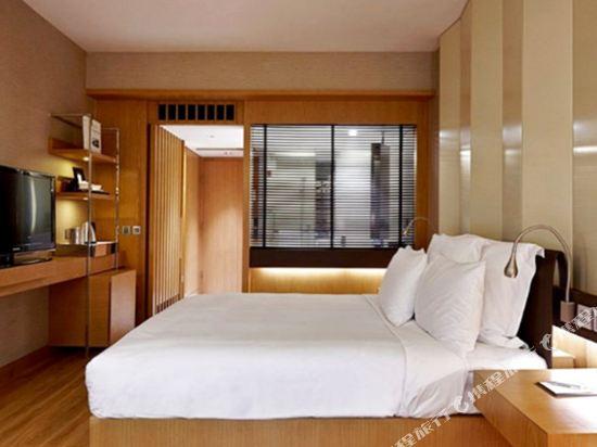 香港萬麗海景酒店(Renaissance Harbour View Hotel Hong Kong)園景連通四人房