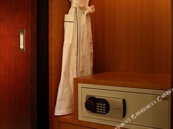 高利亞那酒店(Koreana Hotel)行政特大床房