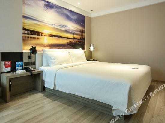 深圳南山海岸城亞朵酒店(Atour Hotel (Shenzhen Nanshan Coastal City))高級大床房