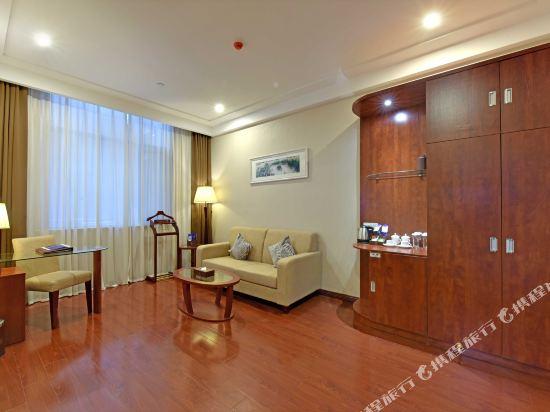 薩維爾金爵·鹿安酒店(上海國際旅遊度假區浦東機場店)(Savile Knight Lu'an Hotel (Shanghai International Tourism and Resorts Zone Pudong Airport))鹿安雅緻套房