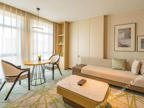 上海智微世紀麗呈酒店(REZEN HOTEL SHANGHAI ZHIWEI CENTURY)豪華套房