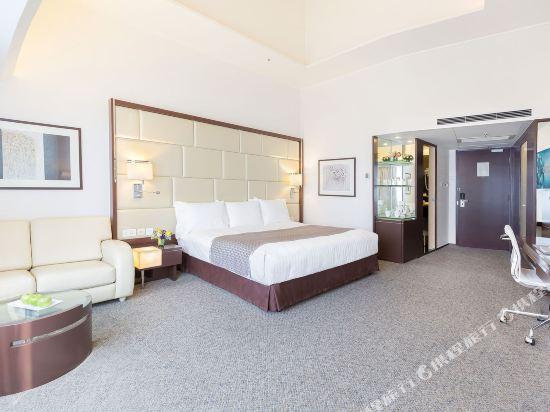 香港富豪機場酒店(Regal Airport Hotel)尊貴大號床間或雙床間