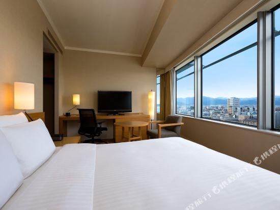 福岡海鷹希爾頓酒店(Hilton Fukuoka Sea Hawk)希爾頓大床客房