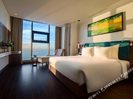 馬西米蘭峴港海灘酒店