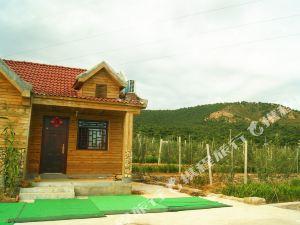 沂水臨沂地中海山鄉客棧小木屋