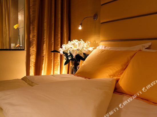 香港麗悅酒店(Cosmo Hotel)特級雅緻三人房