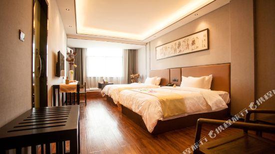 Q+ Zhoudu Theme Hotel