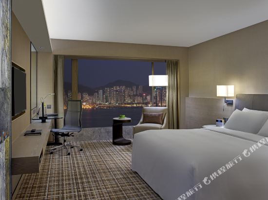 千禧新世界香港酒店(New World Millennium Hong Kong Hotel)豪華海景套房