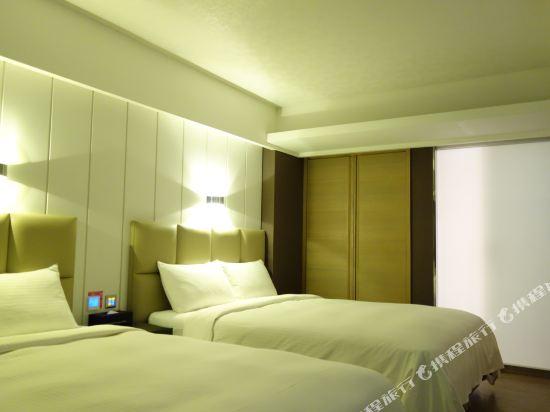 高雄雲端精緻旅館(The Cloud Hotel)四人房