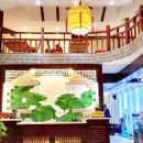 Q加·黃果樹荷田酒店