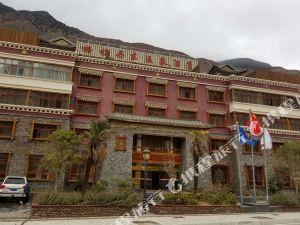 西藏格拉丹東溫泉酒店