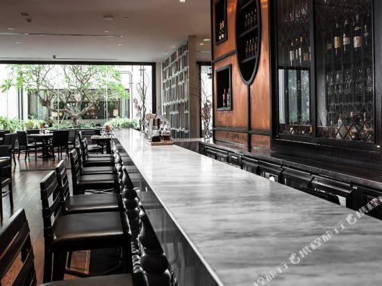 曼谷素坤逸15巷瑞享酒店(Mövenpick Hotel Sukhumvit 15 Bangkok)酒吧