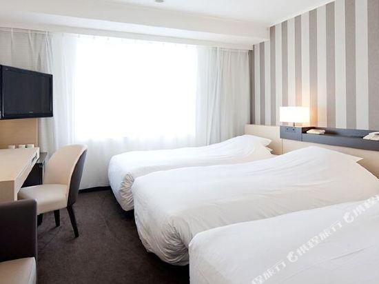 格蘭比亞大酒店(Hotel Granvia Osaka)標準三人房
