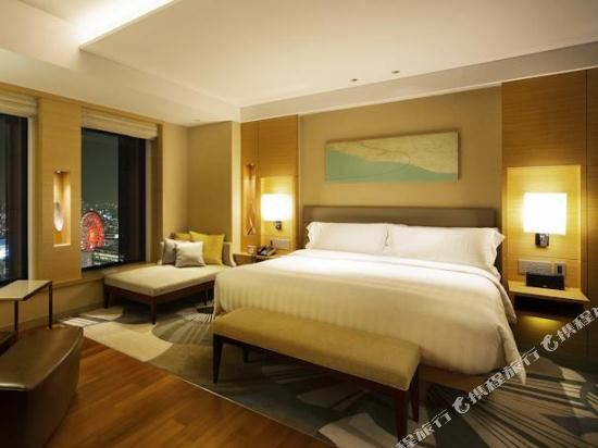 大阪洲際酒店(InterContinental Osaka)城景俱樂部特大床房