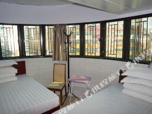 香港金龍旅遊酒店(The Golden Hotel)