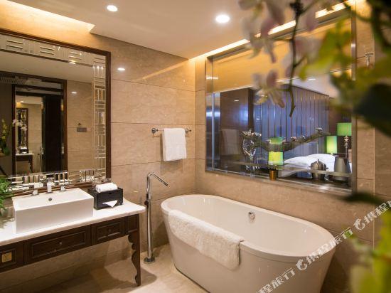東莞曼佧特國際大酒店(Malachite Hotel)行政大床房