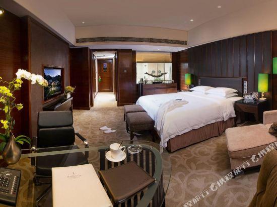 東莞曼佧特國際大酒店(Malachite Hotel)高級大床房