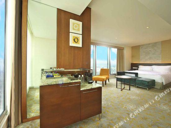 大阪萬豪都酒店(Osaka Marriott Miyako Hotel)城景至尊轉角特大床房