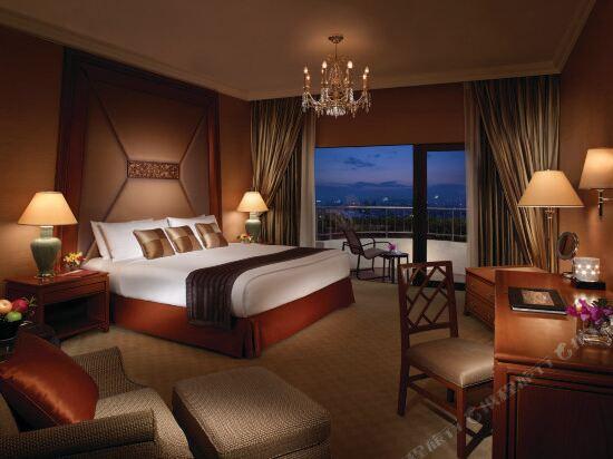 曼谷香格里拉大酒店(Shangri-La Hotel Bangkok)KTW10 Deluxe Suite