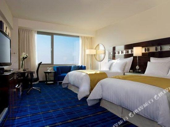 香港天際萬豪酒店(Hong Kong SkyCity Marriott Hotel)萬豪豪華連通四人房