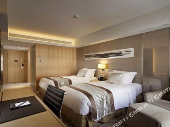香港帝苑酒店(The Royal Garden Hotel)連通高級四人房