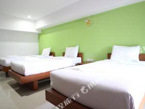甲米浦希酒店(PhuHi Hotel)