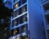 A&EM二征夫人街酒店