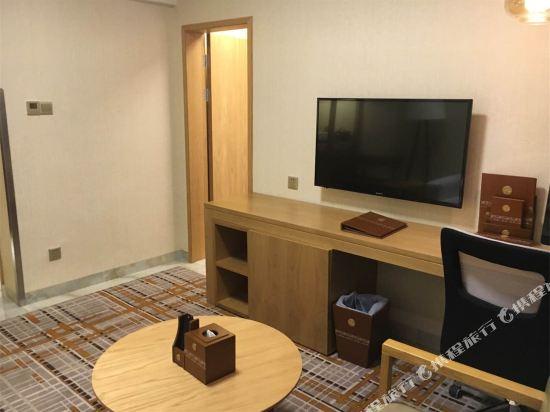 天和酒店(深圳機場T3航站樓店)(Tianhe Hotel (Shenzhen Airport Terminal 3))豪華套房