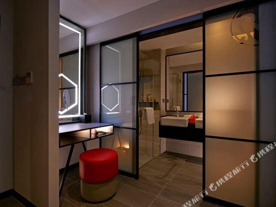 吉隆坡紅酒店(Red by Sirocco Kuala Lumpur)豪華特大床房