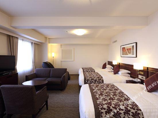 西鐵格蘭酒店(Nishitetsu Grand Hotel)豪華三人房