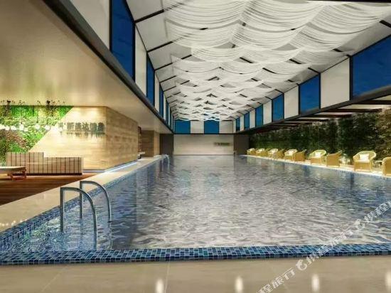 中山富業假日酒店(原榮光假日酒店)(Fuyue Holiday Hotel)室內游泳池