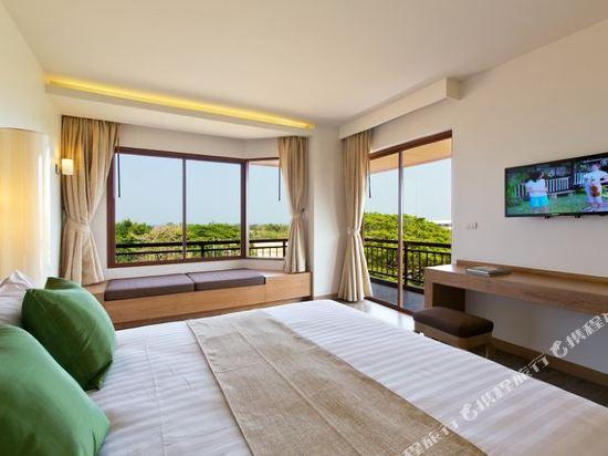 艾瑞斯華欣酒店(Ayrest Hua Hin Hotel)豪華特大床房
