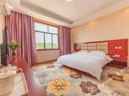 昆明伴山境悅觀景酒店(Ban Shan Jin Yue Guan Jing Jiu Dian)陽光舒適大床房