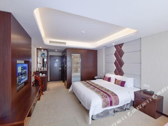 薩維爾金爵·鹿安酒店(上海國際旅遊度假區浦東機場店)(Savile Knight Lu'an Hotel (Shanghai International Tourism and Resorts Zone Pudong Airport))豪華大床房