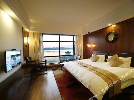 天目湖御湖半島温泉酒店(The Peninsula of Royal Lake Hotels)湖景大床房