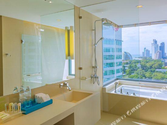 芭堤雅假日酒店(Holiday Inn Pattaya)全景行政俱樂部轉角房
