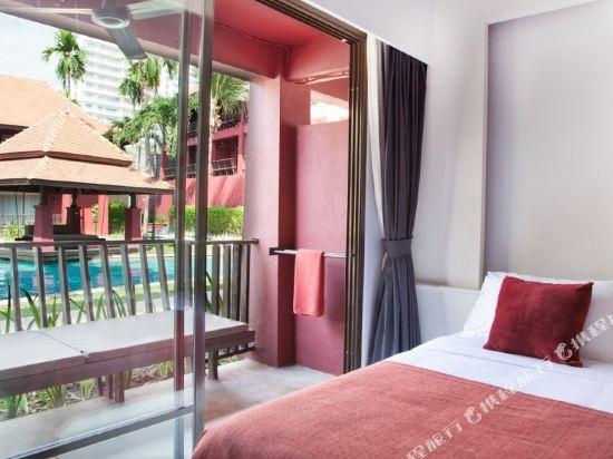 華欣世外桃源酒店(Escape Hua Hin Hotel)豪華池畔池景房