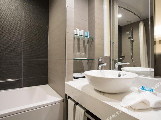 大阪日航酒店(Hotel Nikko Osaka)高級小型雙人床房