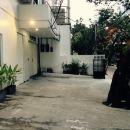泗水庭格經濟拉亞杜庫庫邦巴拉特酒店(Tinggal Budget Raya Dukuh Kupang Barat Surabaya)