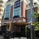 翠綠美景艾卡邁10號公寓式酒店(Greenview Ekkamai10 Suite)