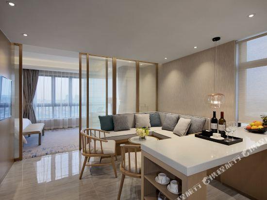 東方銀座國際酒店(東莞松山湖店)(Oriental Ginza International Hotel (Dongguan Songshan Lake))豪華套房