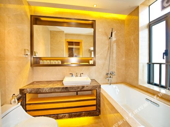 泰萊尚寓度假公寓(珠海海洋王國口岸店)(Tailai Shangyu Holiday Apartment (Zhuhai Ocean Kingdom Port))現代風尊享四房套房
