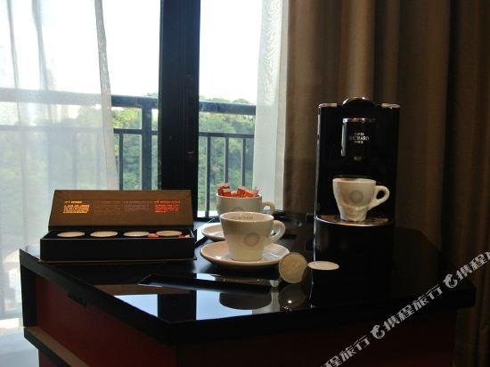 吉隆坡紅酒店(Red by Sirocco Kuala Lumpur)天后豪華特大床房