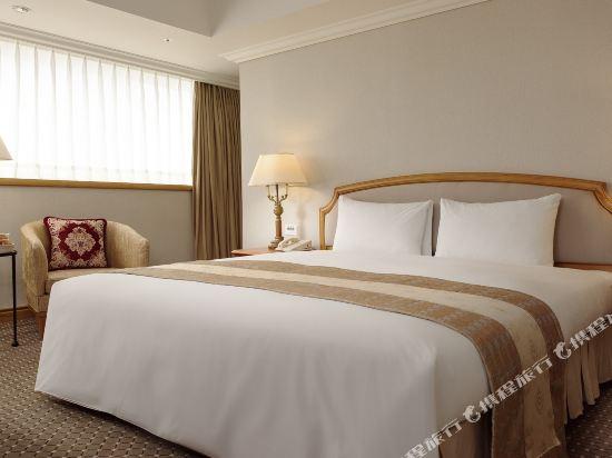 高雄寒軒國際大飯店(Han-Hsien International Hotel)高級特大床房