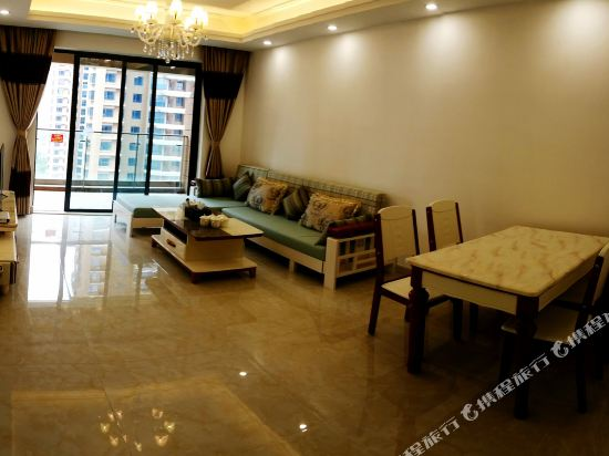 Q加·泰萊半島國際公寓(珠海橫琴海洋王國店)(Tailai Peninsula International Apartment (Zhuhai Hengqin Changlong Ocean Kingdom))雅緻園景豪華三房二廳房型