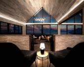 皇后鎮卡瑪納湖景酒店
